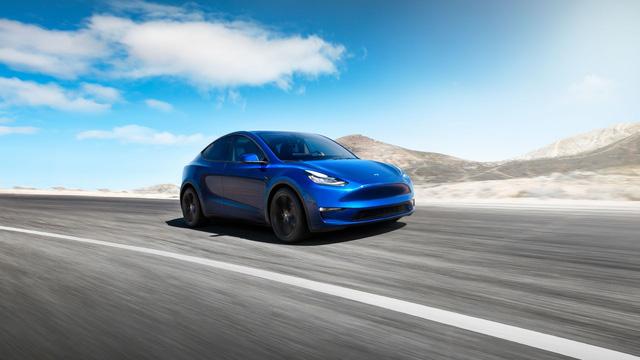 Tesla Model Y chính thức ra mắt: Tham vọng dành khách của Honda CR-V, Hyundai Kona - Ảnh 2.