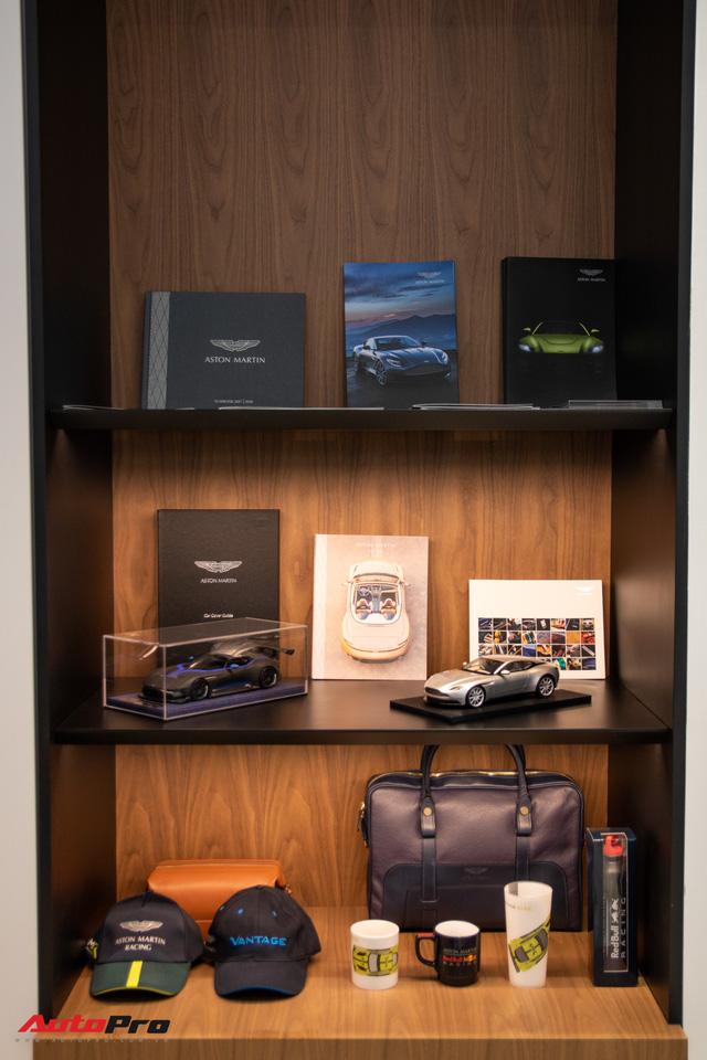 Aston Martin khai trương showroom đầu tiên tại Việt Nam, giá bán xe từ 15 tỷ đồng - Ảnh 10.