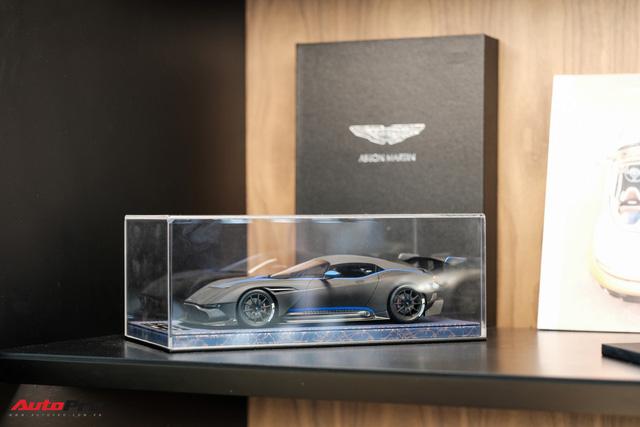 Aston Martin khai trương showroom đầu tiên tại Việt Nam, giá bán xe từ 15 tỷ đồng - Ảnh 11.