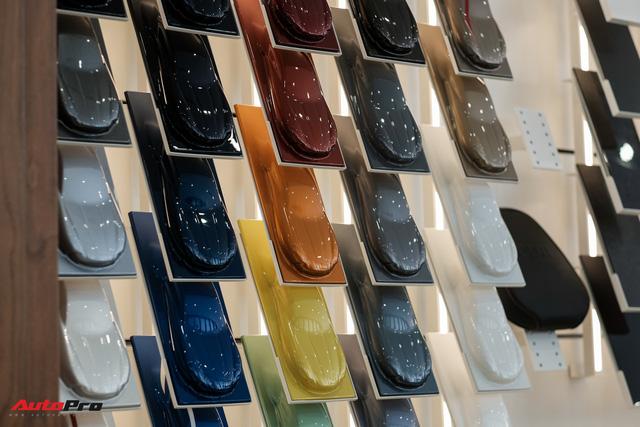 Aston Martin khai trương showroom đầu tiên tại Việt Nam, giá bán xe từ 15 tỷ đồng - Ảnh 12.