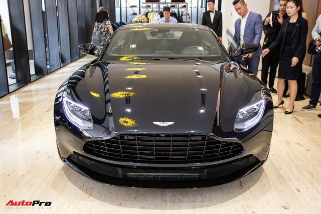 Aston Martin khai trương showroom đầu tiên tại Việt Nam, giá bán xe từ 15 tỷ đồng - Ảnh 3.