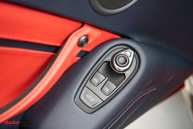 Chi tiết Aston Martin Vantage vừa ra mắt: Mẫu xe 15 tỷ đồng có gì thuyết phục đại gia Việt? - Ảnh 13.
