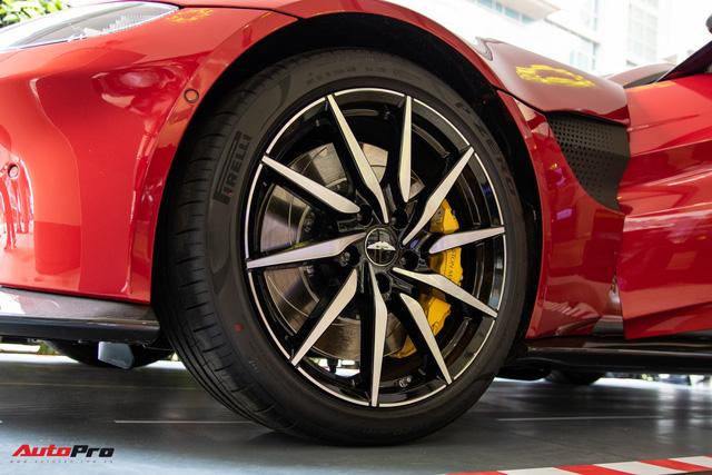 Chi tiết Aston Martin Vantage vừa ra mắt: Mẫu xe 15 tỷ đồng có gì thuyết phục đại gia Việt? - Ảnh 6.