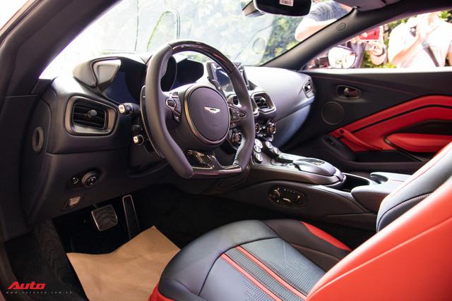 Chi tiết Aston Martin Vantage vừa ra mắt: Mẫu xe 15 tỷ đồng có gì thuyết phục đại gia Việt? - Ảnh 9.
