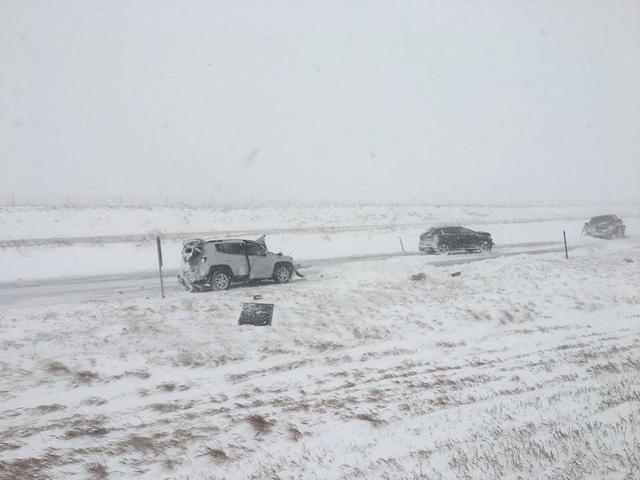 100 xe hôn đuôi nhau cùng lúc trong tai nạn hy hữu vì lý do này - Ảnh 4.