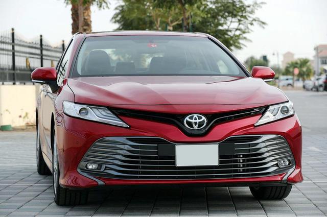 Lộ những nâng cấp mới đáng giá trên Camry 2019 sắp ra mắt Việt Nam: Xe Toyota bớt cắt option - Ảnh 6.