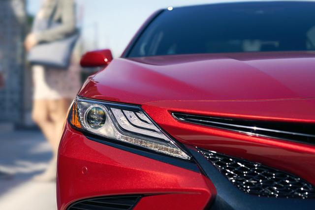 Lộ những nâng cấp mới đáng giá trên Camry 2019 sắp ra mắt Việt Nam: Xe Toyota bớt cắt option - Ảnh 1.