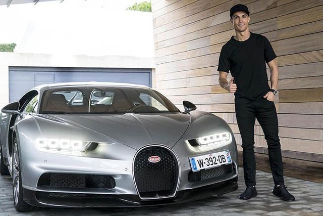 Cristiano Ronaldo khoe Rolls-Royce Cullinan mới sắm, người Việt vẫn ngóng đợi xe về để chiêm ngưỡng - Ảnh 4.