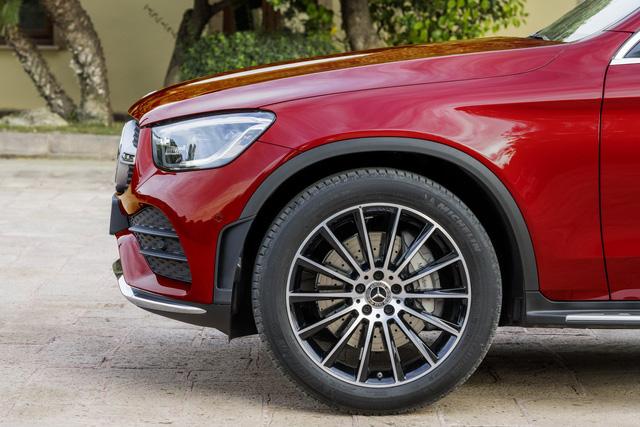 Ra mắt Mercedes-Benz GLC Coupe 2020 - Đối trọng của BMW X4 sắp bán tại Việt Nam - Ảnh 6.