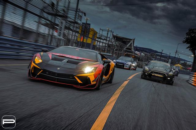 Lamborghini Aventador rực rỡ sắc màu với bản độ Liberty Walk - Ảnh 5.