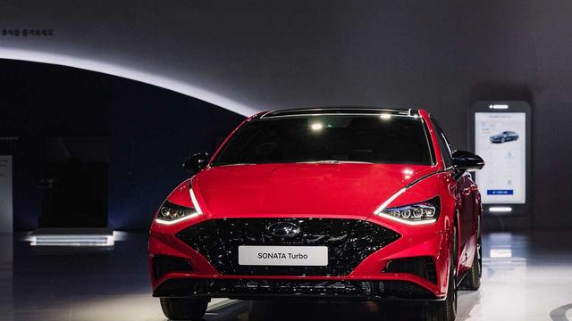 2 phiên bản tăng áp, hybrid của Hyundai Sonata ra mắt tại triển lãm Seoul - Ảnh 2.