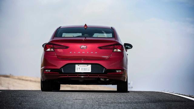 Đánh giá Hyundai Elantra 2019 sắp về Việt Nam: Đây là những lý do khiến Mazda3 phải lo sợ - Ảnh 3.
