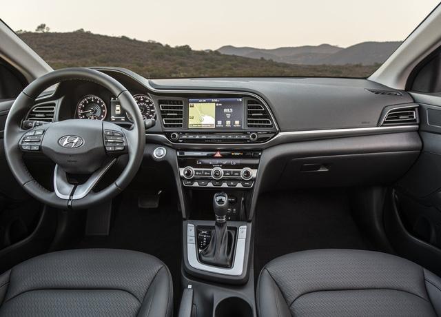 Đánh giá Hyundai Elantra 2019 sắp về Việt Nam: Đây là những lý do khiến Mazda3 phải lo sợ - Ảnh 6.