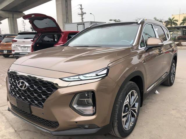 Hyundai Santa Fe 2019 full option đã về tới đại lý, giá bán chênh hơn 20 triệu đồng - Ảnh 2.