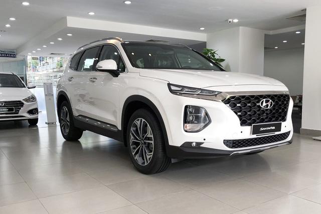 Chính sách mới ban hành, ô tô như Hyundai Santa Fe rẻ hơn tới hàng chục triệu đồng khi tới tay người Việt - Ảnh 3.