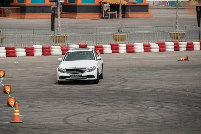 Vì sao Mercedes-Benz C-Class 2019 tự tin lấy khách phổ thông tại Việt Nam? - Ảnh 5.