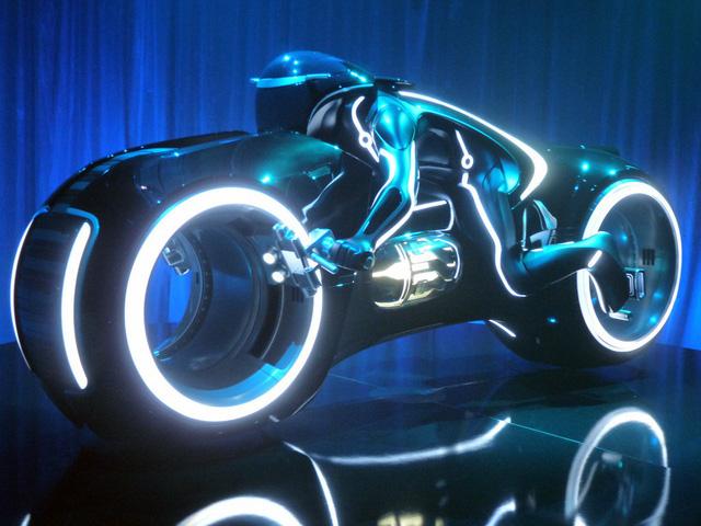 Biker đình đám Hà thành sắm siêu mô tô viễn tưởng Tron Light Cycle đầu tiên Việt Nam - Ảnh 5.