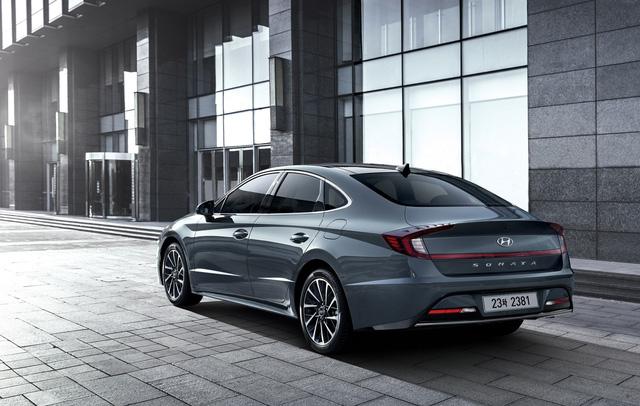 Hyundai Sonata thế hệ mới chính thức lộ diện, thách thức Toyota Camry - Ảnh 3.