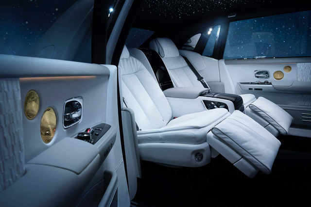 Rolls-Royce Phantom Tranquillity: Đỉnh cao bầu trời sao cho đại gia thích tĩnh lặng - Ảnh 10.