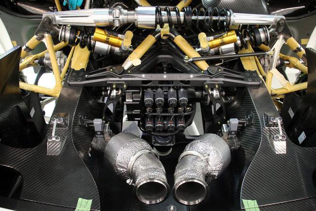 Tìm hiểu hộp số 8 ly hợp vô cùng đặc biệt của kẻ kế thừa siêu xe nhanh nhất thế giới theo lời kể của chủ tịch - Ảnh 1.