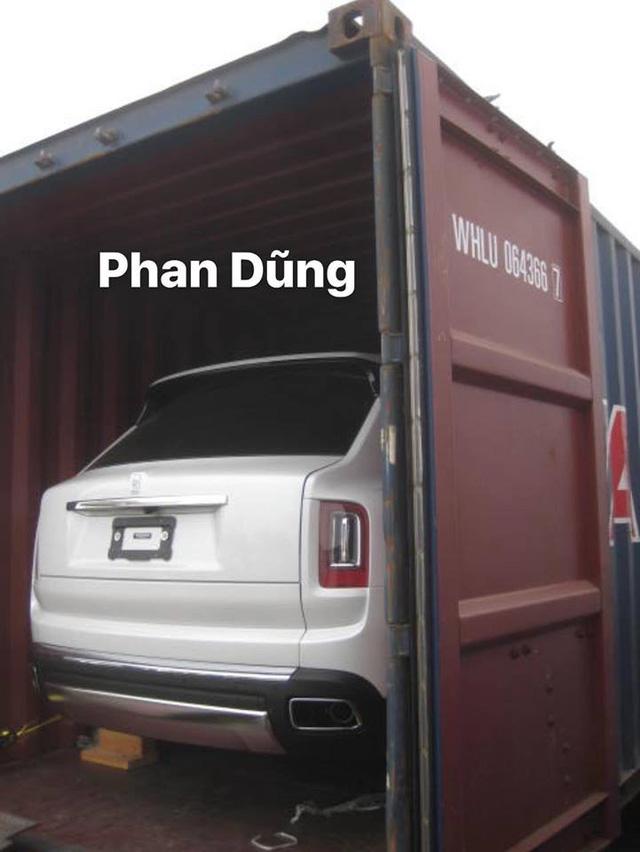 Siêu SUV Rolls-Royce Cullinan lần đầu lộ diện tại Việt Nam - Ảnh 2.