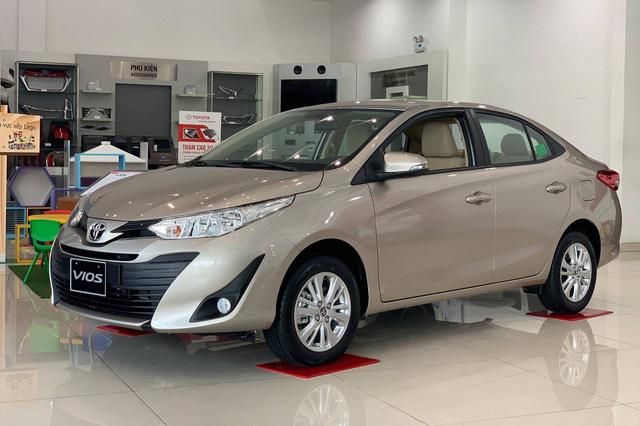 Giảm giá xe tất tay, Toyota bán vượt THACO và Hyundai, tái chiếm ngôi vua doanh số nhiều phân khúc - Ảnh 2.