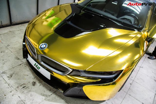 Dân chơi Sài Gòn mang BMW i8 đi đổi diện mạo phong cách nhà giàu Dubai - Ảnh 3.