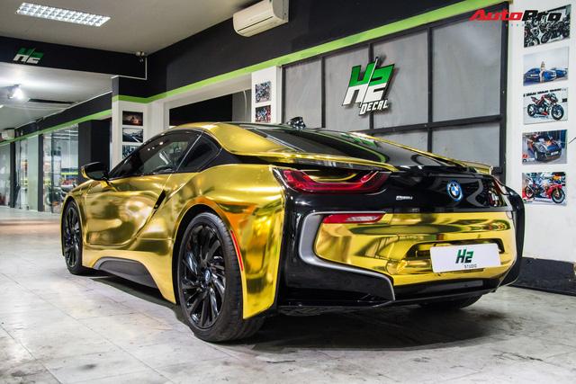 Dân chơi Sài Gòn mang BMW i8 đi đổi diện mạo phong cách nhà giàu Dubai - Ảnh 4.