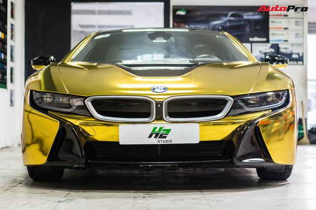 Dân chơi Sài Gòn mang BMW i8 đi đổi diện mạo phong cách nhà giàu Dubai - Ảnh 1.