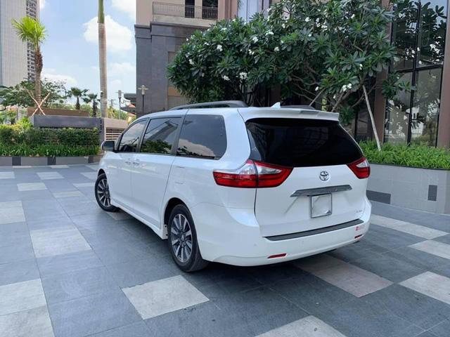 Toyota Sienna 2018 siêu lướt có giá bao nhiêu trên thị trường xe cũ? - Ảnh 2.