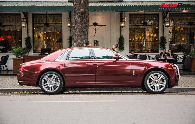 Cặp đôi kì phùng địch thủ cùng nhau khoe dáng nhưng chiếc Bentley Mulsanne Speed lại có phần hơn nhờ chi tiết này - Ảnh 17.