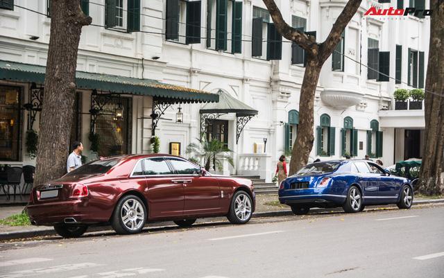 Cặp đôi kì phùng địch thủ cùng nhau khoe dáng nhưng chiếc Bentley Mulsanne Speed lại có phần hơn nhờ chi tiết này - Ảnh 2.
