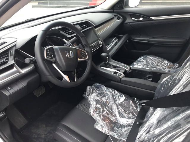 Honda Civic 2019 giá cao nhất 934 triệu đồng đổ bộ đại lý, chuẩn bị giao xe tới khách hàng - Ảnh 3.