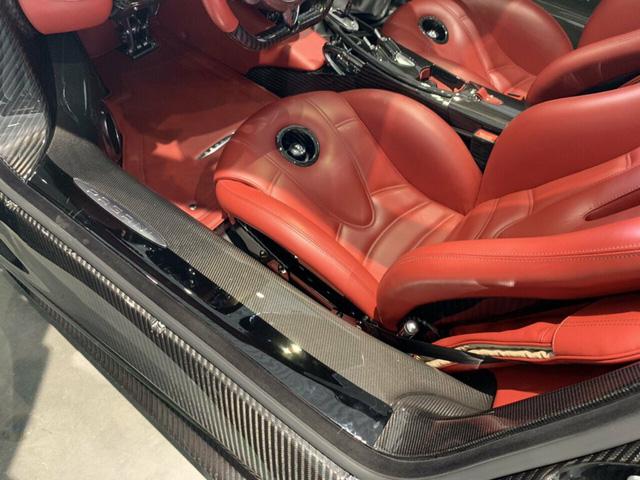 Xe cũ cho 0,1% người dùng: Pagani Huayra Roadster chạy lướt 128km giá nuột chỉ chưa đến 4 triệu USD - Ảnh 6.