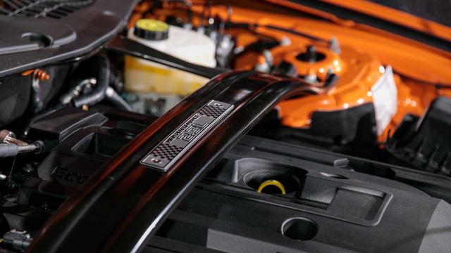 Ford Mustang lấy động cơ từ Focus RS, thêm sức mạnh cho dân chơi - Ảnh 1.