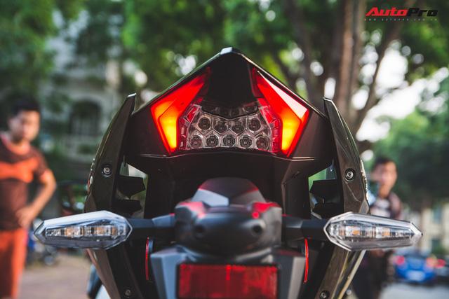 Soi kĩ 'siêu mô tô' Kawasaki H2 giá ngang Toyota Camry đầu tiên tại Hà Nội - Ảnh 10.
