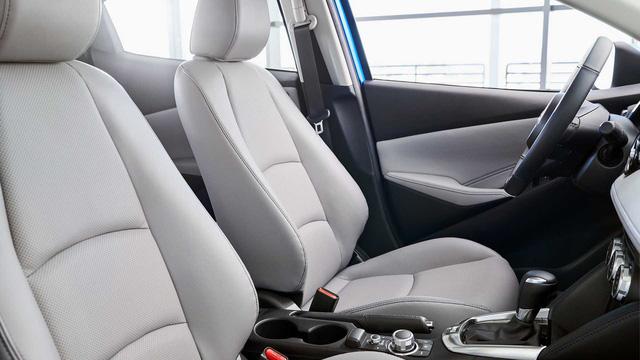 Toyota Yaris Hatchback 2020 chuẩn bị trình làng, sử dụng khung gầm Mazda2 để đấu Honda Jazz - Ảnh 4.