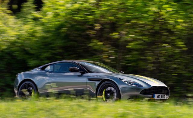 Siêu xe Aston Martin DB11 AMR chào hàng đại gia Việt - Ảnh 8.