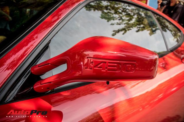 Hang hiem Ferrari F430 mau do bien so Hai Phong xuat hien tren pho Sai Gon voi mot su khac biet