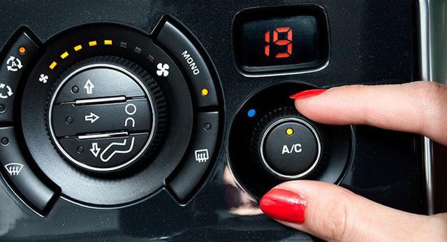 Thói quen nguy hiểm: Nắng nóng, vừa lên xe đã bật điều hòa cực lạnh - Ảnh 1.