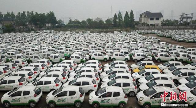 """Hàng trăm xe điện Trung Quốc bị """"xếp xó"""" và lý do phía sau - Ảnh 1."""