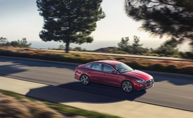 Đánh giá Hyundai Sonata thế hệ mới: Còn khiếm khuyết nhưng đủ sức đấu Toyota Camry tại bất kỳ đâu - Ảnh 12.