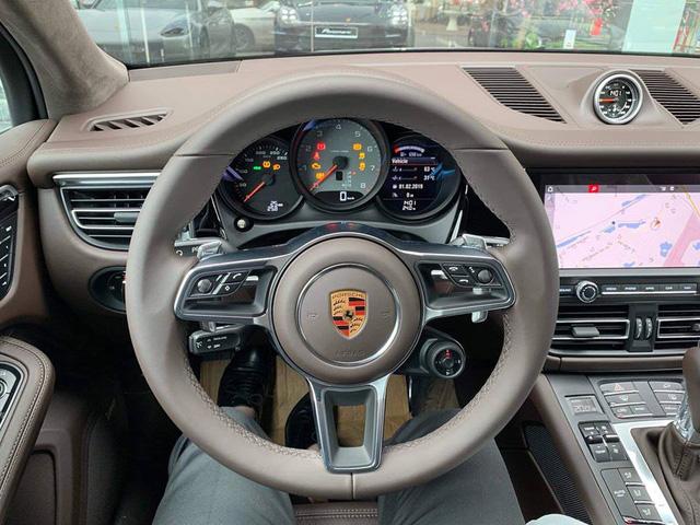 Porsche Macan 2019 đầu tiên cập bến Việt Nam, chủ nhân mạnh tay chi gần 1 tỷ tiền trang bị tùy chọn - Ảnh 3.