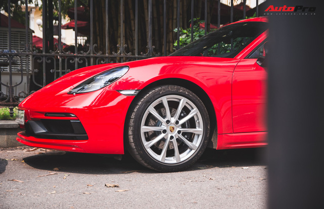 Đại gia Hà Nội chi cả chục triệu đồng chỉ để thay đổi một chi tiết nhỏ trên Porsche 718 Cayman mà ít ai ngờ tới - Ảnh 7.
