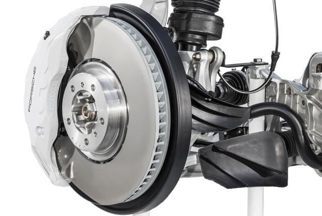 Porsche hé lộ thủ thuật chế tạo phanh mới cho xe hiệu suất cao - Ảnh 3.