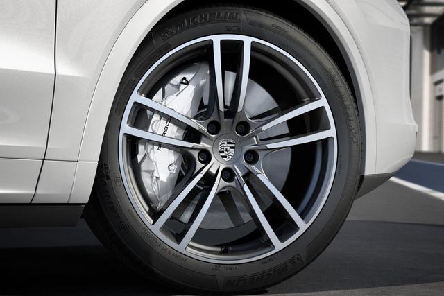 Porsche hé lộ thủ thuật chế tạo phanh mới cho xe hiệu suất cao - Ảnh 1.