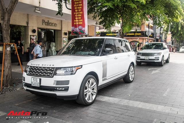 Loạt siêu xe, xe sang xuất hiện trên phố Sài Gòn dịp nghỉ lễ 30/4, 1/5 - Ảnh 1.