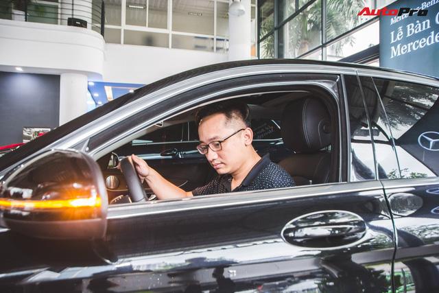 Gặp 'Chủ tịch' Đức SVM mua xe Mercedes 1,7 tỷ đồng và cái kết đừng đánh giá người khác qua vẻ ngoài - Ảnh 4.
