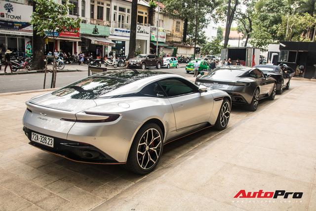 Loạt xế tiền tỷ Aston Martin của đại gia Việt nối đuôi nhau đi bảo dưỡng tại Sài Gòn - Ảnh 9.