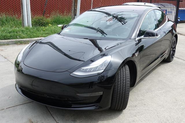 Rộ tin xe điện Tesla Model 3 đầu tiên về Việt Nam - Ảnh 2.